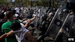 Estudiantes venezolanos seguirán en las calles