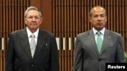 El presidente Mexicano junto a Raúl Castro