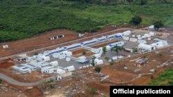 El médico cubano Félix Báez fue trasladado a este hospital construido por los británicos en Kerry Town.