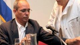 el disidente cubano Alejandro González Raga