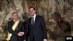 Entrega de la Gran Cruz de Isabel la Católica al Senador Menéndez. G