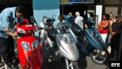 Motos chinas ensambladas en Cuba. (Archivo)