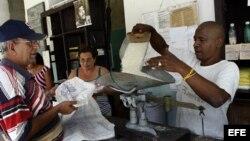 La irregularidad en distribución de alimentos normados es cada vez más frecuente en la isla