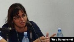 Elizabeth Mirabal, narradora y ensayista cubana.