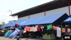 Albergue habilitado en Paso Canoas, frontera de Panamá con Costa Rica, para acoger a migrantes cubanos varados en territorio panameño (10 de abril, 2016).