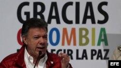 El presidente de Colombia y candidato a la reelección Juan Manuel Santos pronunció un discurso el domingo 25 de mayo de 2014, en la sede de su campaña en Bogotá.