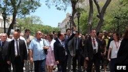 Opinan en Cuba sobre visita de Hollande
