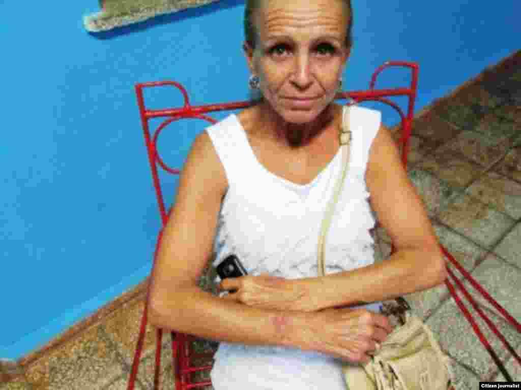 Dama de Blanco Lourdes Esquivel.