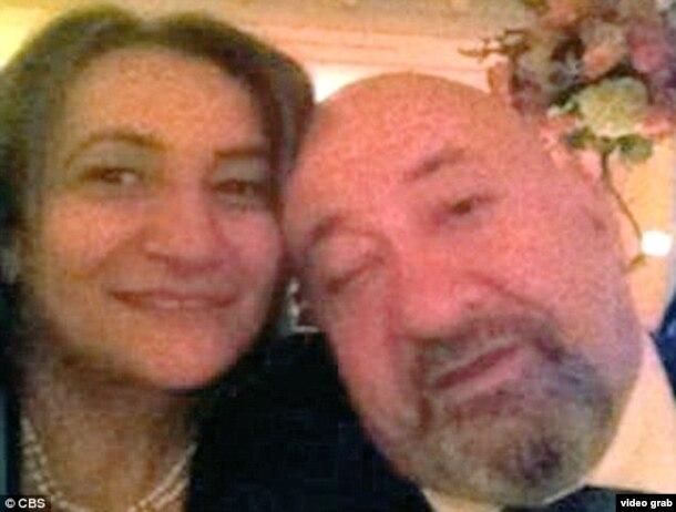 Gregorio Gigliotti (d), contacto en Nueva York de la N'dranghetta y su esposa Eleanora Lucía.