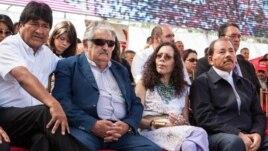 Los mandatarios Evo Morales (Bolivia), José Mujica (Uruguay) y Daniel Ortega (Nicaragua) en un acto en Caracas de apoyo al chavismo.