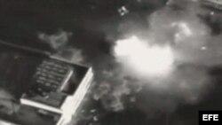 Imagen tomada de un vídeo del Ejército israelí, en la que se ve el momento del ataque selectivo con el que Israel ha matado al líder del brazo armado del movimiento islamista palestino Hamás, Ahmed Yabari.