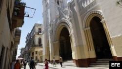 Una ciudadana opina sobre talleres de capacitación y consultoría de la Iglesia Católica