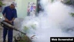 Fumigación contra Aedes dengue en Cuba.