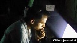 """Reporta Cuba. """"Entre tanta oscuridad un poco de luz"""". Foto: Reinier Aguero."""