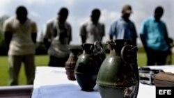 Cuatro guerrilleros de las Fuerzas Armadas Revolucionarias de Colombia (FARC) y dos del Ejército de Liberación Nacional (ELN), entregaron con sus armas en octubre de 2008. Foto Archivo