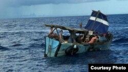 En esta embarcación llegaron en enero a Progreso, Yucatán, ocho balseros cubanos (SIPSE).