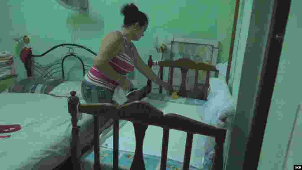La cuna del bebé tiene que ser colocada en el mismo cuarto de los padres