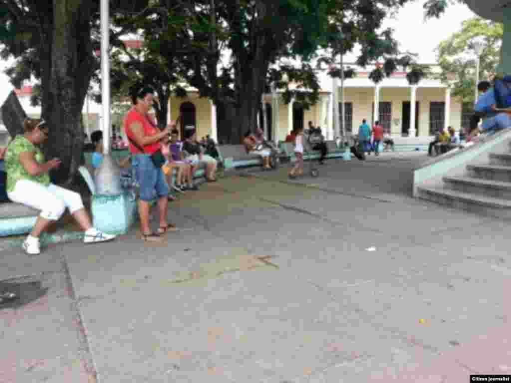 Reporta Cuba Conexión WiFi en Pinar del Río Foto José Estrada