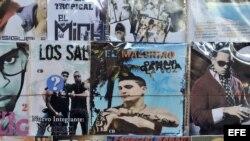 """Vista de un disco compacto del cantante cubano Osmani García, quien popularizó la canción """"El chupi chupi"""", un popular reguetón cubano"""