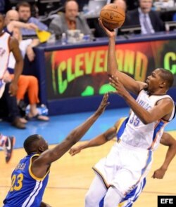 Kevin Durant (d).