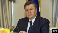Emiten orden de arresto contra Yanukovich.