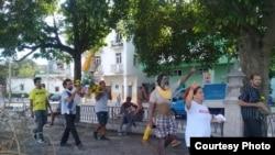 Artistas realizan procesión a la Caridad del Cobre y protestan contra el Decreto 349 (Facebook).