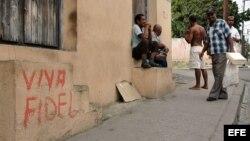 Al gobierno cubano no le conviene tener a cientos de miles de cubanos sin empleo, sin dinero y sin futuro.