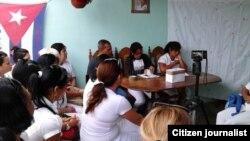 Las Damas de Blanco realizan la votación en Matanzas.