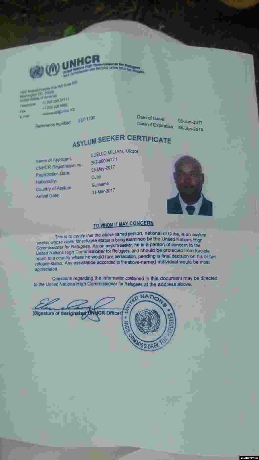 Certificado de refugiado, concedido por ACNUR a Víctor Cuello Milián.