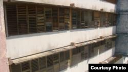 Cierran escuelas por enfermedades contagiosas