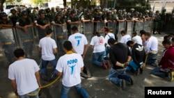 Estudiantes protestan contra ingerencia cubana en Venezuela