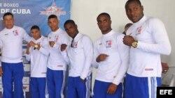 """Los integrantes de los equipos """"Los Domadores"""" de Cuba."""