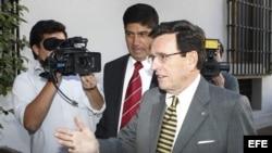 Senador chileno acerca de políticas que afectan la gobernabilidad en América Latina