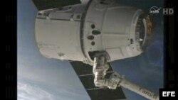 Imagen del brazo robótico tras su llegada a la ISS