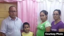 Hoy con el Pastor Ramón Rigal, Aleida Silva y Vladimir Turró