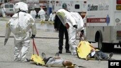 Personal de emergencia atiende a víctimas de ataque terrorista en New York