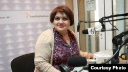 Jadija Ismailova, periodista de Radio Europa Libre.