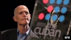 El gobernador de la Florida, Rick Scott en el Museo de la Diáspora Cubana. (Archivo)