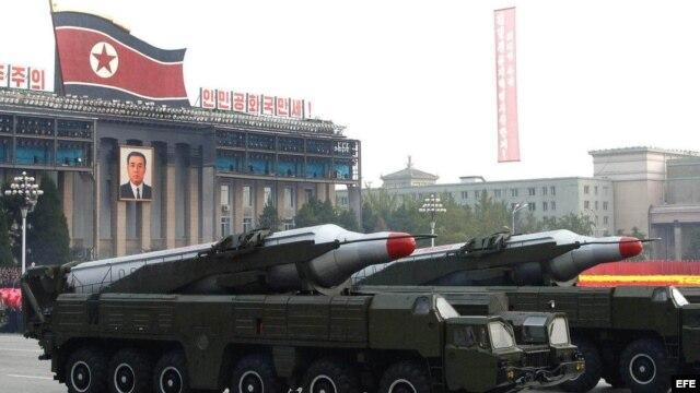 Fotografía de archivo de tanques norcoreanos.