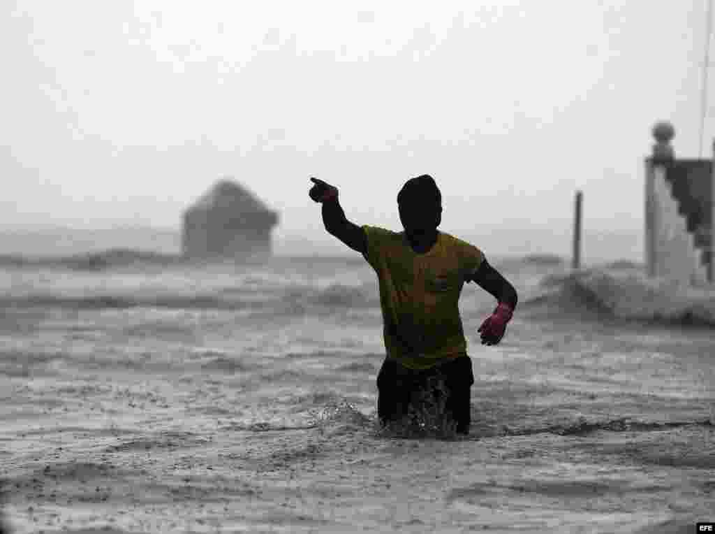 Irma se aleja de Cuba pero deja inundaciones severas en La Habana y Varadero
