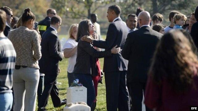 El presidente estadounidense, Barack Obama, en el Cementerio Nacional de Arlington.