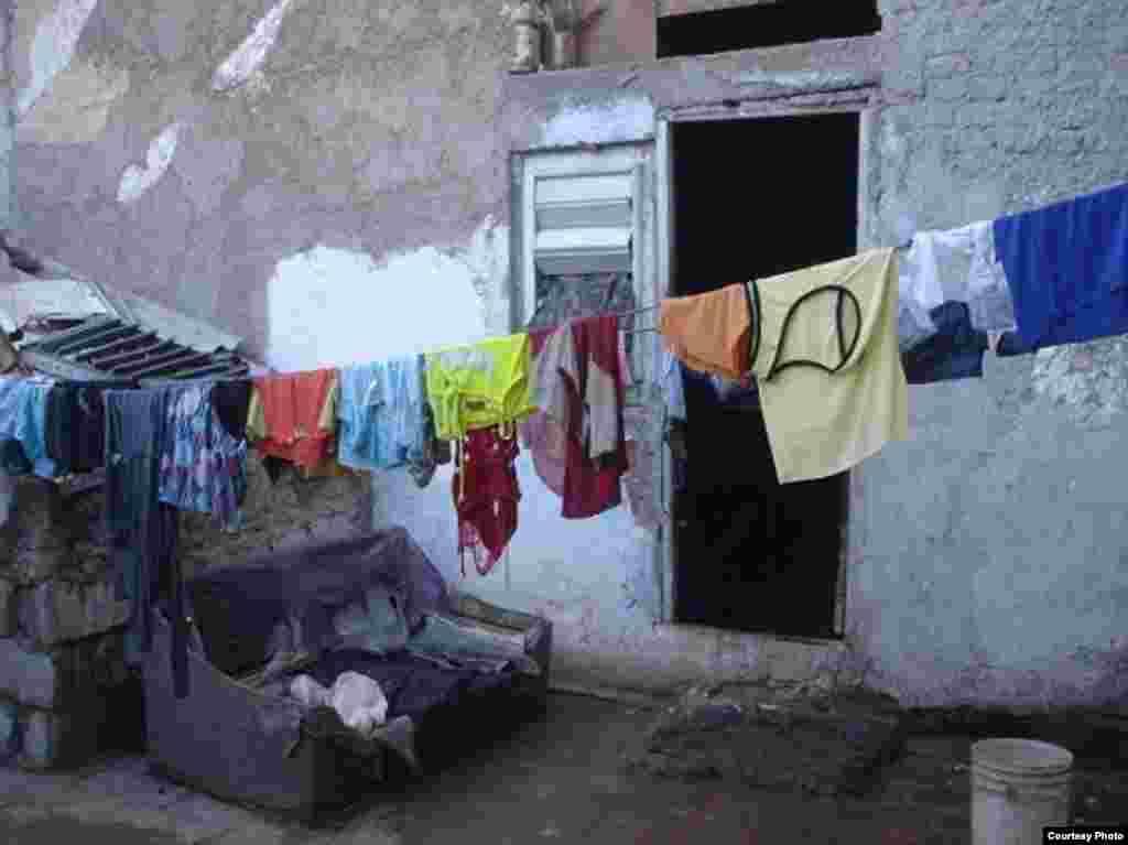 Parte de la azotea ocupada por Melkys Hechavarría para vivir con sus hijos.