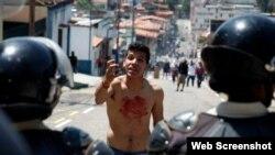 Hermano de estudiante asesinado en San Cristobal, Venezuela
