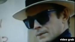 José Wilker como Roque Santeiro.
