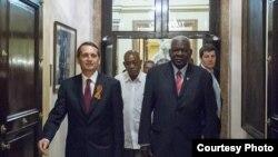 Invitan los rusos a Cuba a integrar grupo político-militar
