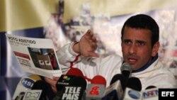 Henrique Capriles durante un encuentro con sus seguidores en Bogotá (Colombia).