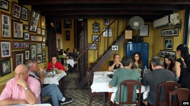 """Interior de """"La guarida"""", una de las paladares más famosas de Cuba."""
