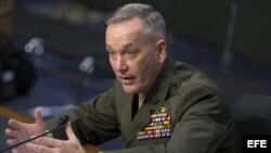 El general Joseph Dunford, excomandante de la misión de la OTAN en Afganistán, testifica ante el Comité de Servicios Armados del Senado.
