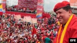 Hugo Chávez en el inicio de su campaña electoral en la ciudad de Maracay, Estado Aragua (Venezuela).