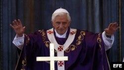El papa Benedicto XVI oficia una misa en La Habana durante su visita en marzo de 2012.